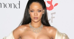 rihanna-diamond-ball-manucure-ongles-nail