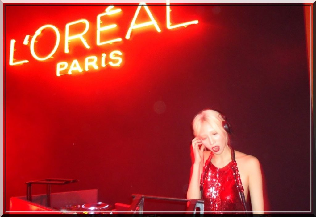 Red Obsession Party By l'Oreal Paris